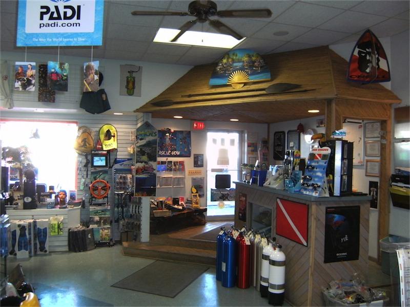toucan-dive-store-11