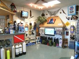 toucan-dive-store-20