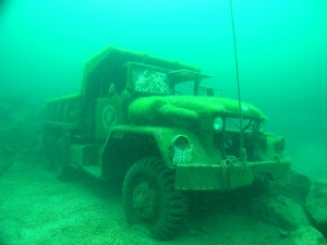 haigh-quarry-underwater-truck