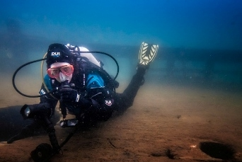 lake michigan wreck diver